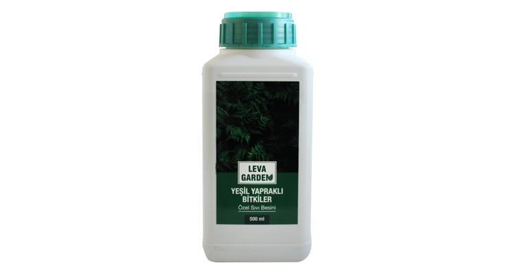 Yeşil yapraklı bitkiler sıvı bitki besini